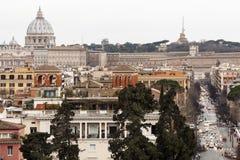 罗马,鸟瞰图全景风景 彼得圣徒梵蒂冈 免版税库存照片