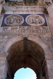 罗马:从康斯坦丁曲拱的细节  库存照片