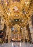 罗马-巴洛克式的教会Basilica di Sant安德里亚della瓦尔教堂中殿  图库摄影