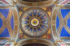 罗马-圆屋顶和天花板在教会基耶萨di圣阿戈斯蒂诺(奥古斯汀) P里 Gagliardi形式19 分 免版税库存照片