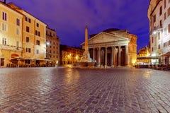 罗马 夜照明的万神殿 免版税库存图片
