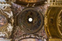 罗马-维尔京的天花板壁画胜利教会基耶萨二圣玛丽亚della的 库存图片