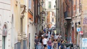 罗马-意大利, 2015年8月:走的人们,日常生活视图 股票录像