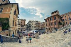 罗马- 2014年6月14日:游人在Piazza di Spagna 城市att 免版税图库摄影