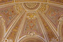 罗马-灰泥和壁画在礼拜堂近星点在Basilica di Sant阿戈斯蒂诺(奥古斯汀) 免版税图库摄影