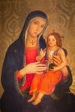 罗马-由Antoniazzo罗马(后15的玛丹娜 分 ) 在教会大教堂dei Santi XII Apostoli 库存照片