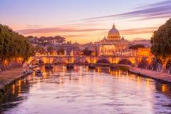 罗马洋红色微明 免版税库存照片