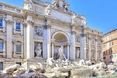 罗马 美丽的喷泉晚上罗马trevi 图库摄影