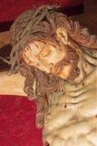 罗马-被雕刻的在十字架上钉死细节从17的 分 在教会基耶萨由未知的艺术家的del Jesu里 库存图片