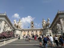 罗马-从Cordonata看见的国会大厦 库存照片