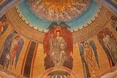 罗马- joung耶稣基督马赛克Pentokrator和天使爱德华Burne-Jones (1833 - 1898) 免版税图库摄影