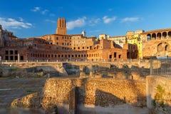 罗马 Trajan在日落的` s论坛 免版税库存图片