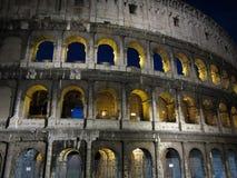 罗马Colosseum在晚上 免版税库存图片
