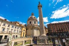 罗马Trajan的专栏建筑学在罗马市中心 图库摄影