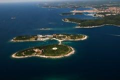 罗维尼群岛,克罗地亚空中俯视图  库存照片