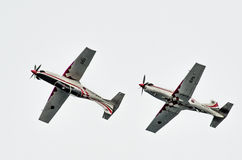 罗维尼,克罗地亚- 2014年4月13日在红色公牛的陈列飞机 免版税库存照片
