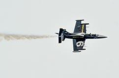 罗维尼,克罗地亚- 2014年4月13日在红色公牛的陈列飞机 免版税库存图片