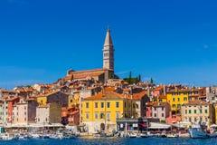 罗维尼,美丽的老镇在克罗地亚,欧洲的Istria 免版税库存照片