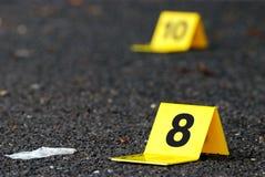 罪行在沥青的证据标志 库存图片