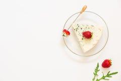 羊乳干酪,从权利的草莓 库存照片