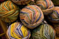 羊毛和绳子卷轴 免版税图库摄影