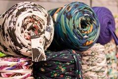 羊毛和绳子卷轴 库存照片