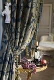 羊毛布料窗帘豪华的缨子 免版税库存图片
