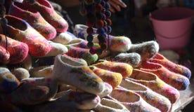 羊毛拖鞋长的冬天夜 免版税库存图片