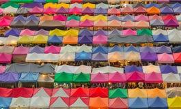 美丽倍数上色空中周末市场背景 库存图片
