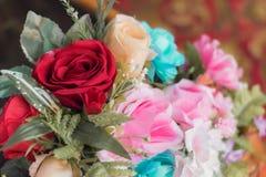 美丽假白色和桃红色为装饰上升了 库存照片
