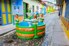 美丽和五颜六色的街道在Guatape,已知 免版税库存照片