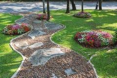 美丽和colorfull庭院 免版税库存图片