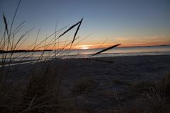 美丽在挪威的西海岸的美好的日落 库存照片