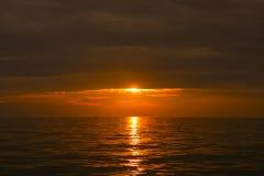美丽在海运日落 图库摄影