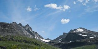 美丽如画横向的山 库存照片