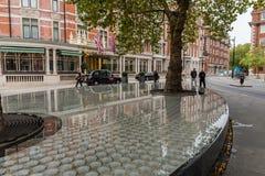 美丽如画的梅费尔街道在10月下旬 库存图片
