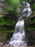 美丽如画的瀑布 库存图片
