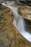 美丽如画的瀑布 免版税库存照片