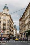 美丽如画的街道在Mala Strana区在布拉格 库存图片