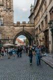 美丽如画的街道在Mala Strana区在布拉格 图库摄影