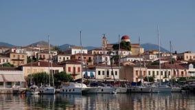 美丽如画的Galaxidi,希腊,横跨内在港口的看法 股票视频