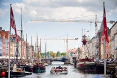 美丽如画的Nyhavn在哥本哈根 免版税库存图片