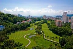 美丽如画路线的高尔夫球 免版税库存图片