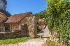 美丽如画的中世纪村庄大别墅沙隆 图库摄影