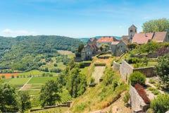 美丽如画的中世纪村庄的看法谷的 免版税库存照片