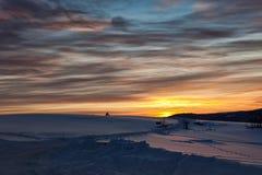 美丽如画的冬天日出 免版税图库摄影