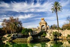 美丽如画的喷泉在Parc de la Ciutadella在巴塞罗那 图库摄影
