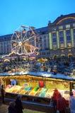 美丽如画的圣诞节集市场所视图 图库摄影