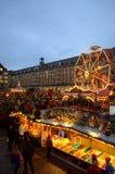 美丽如画的圣诞节集市场所 免版税库存照片