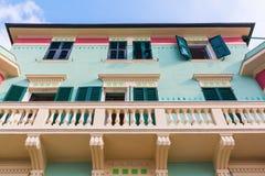美丽如画的大厦在蒙泰罗索阿尔马雷 免版税库存照片